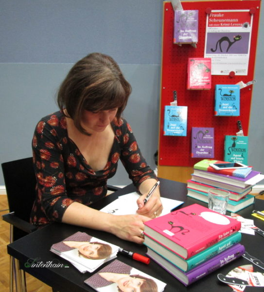 Frauke Scheunemann signiert